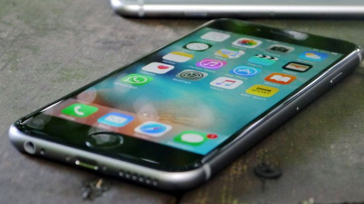 Kako na iPhoneu prebaciti kontakte na SIM karticu