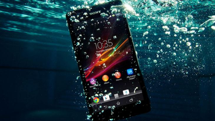 Pronašli smo koji mobitel može i slika pod vodom