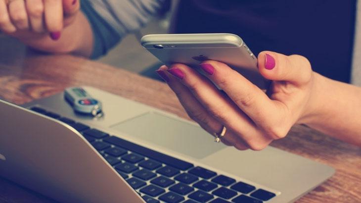 Vodič: Kako prebaciti kontakte s Androida na iPhone